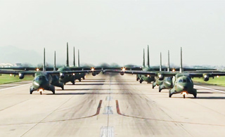 这阵仗够大:韩国一次出动10架运输机空投兵力