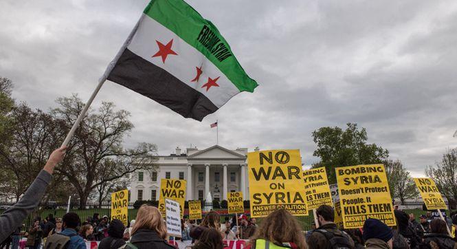 多国民众游行抗议美军空袭叙利亚 美示威者包围白宫