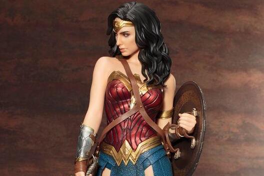《神奇女侠》日版高还原模型 戴安娜身材迷人