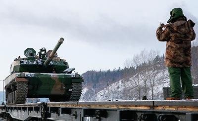 解放军神秘坦克进行寒区测试