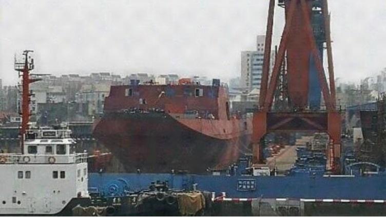 外媒:中国扩建两栖力量 第五艘071坞登船体完工
