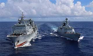 第26批护航编队开展海上航行补给