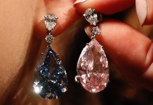 英国天价钻石耳环即将拍卖 估价数千万美元