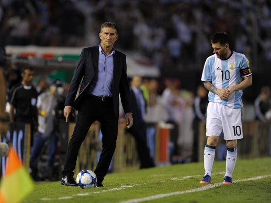 阿根廷足协宣布巴乌萨下课 执教250天8战仅获3胜