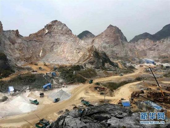 广西漓江景区违规建采石场 环保组督察追责37人