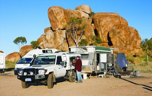 澳大利亚营地塞满生活真义