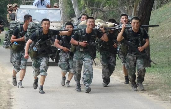 中国陆战尖兵国际竞赛夺金 3天2夜不眠不休负伤