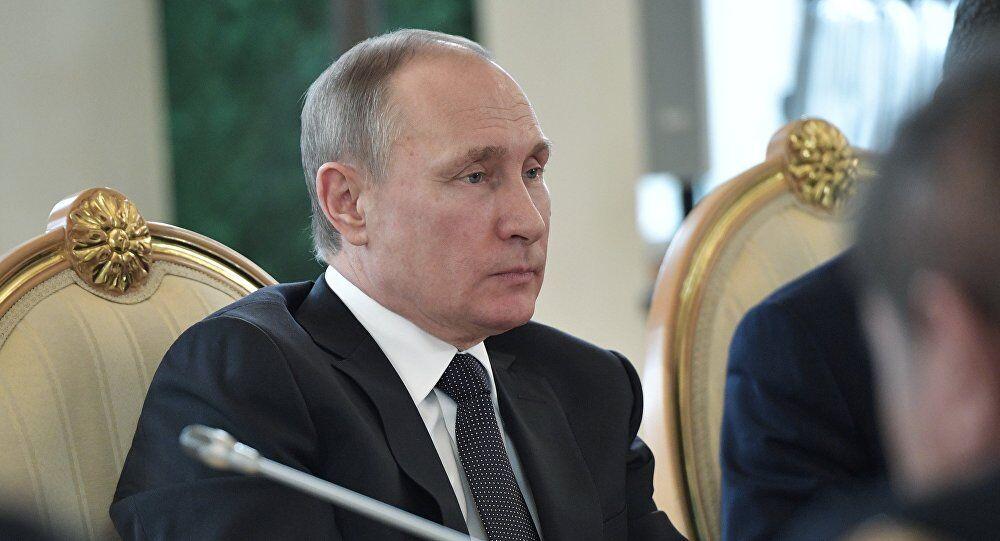 普京:俄美信任水平未改善 或有所下降