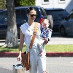 乔丹娜·布鲁斯特  (Jordana Brewster) 和儿子Julian 2017年3月街拍