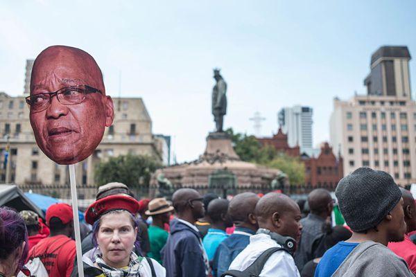 南非多个政治团体发起反政府游行 要求总统祖马下台