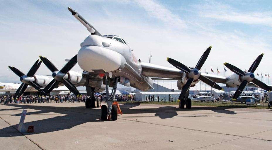俄军机三个方向逼近日本领空 日军机紧急升空
