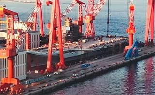 国产航母舰岛脚手架已拆除完毕