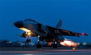 飞豹战机演练跨昼夜飞行