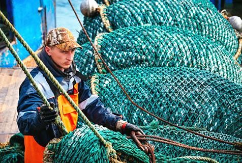探访俄商业渔船捕捞阿拉斯加鳕鱼全过程