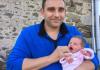 法国小镇诞生50年来唯一女婴 政府不知所措