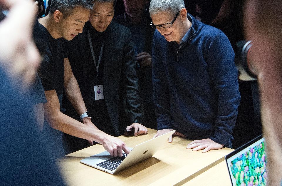 联想获评2017全球最佳笔记本电脑 苹果第五