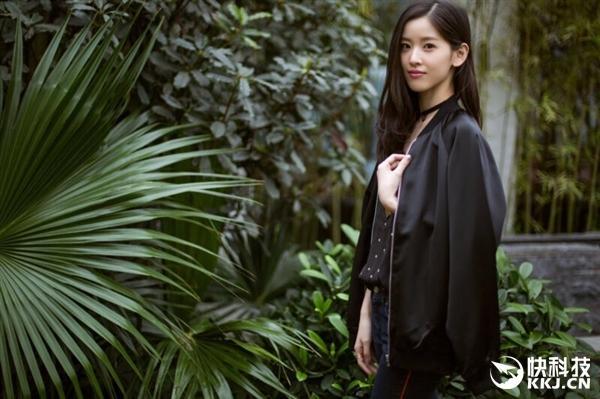 奶茶妹妹亲自代言京东服装品牌 还拍了一组大片