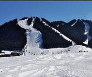 乌鲁木齐滑雪场仍然开放 或尝试营业到五月