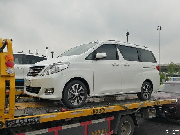 2017上海车展探馆:野马首款MPV M70