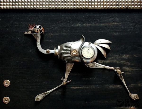 """艺术家用废铁打西洋菜的做法造""""机器兽"""":活龙活现"""