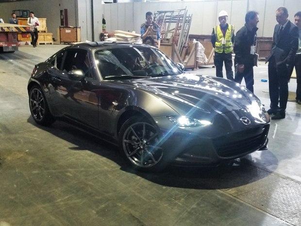 2017上海车展探馆:马自达MX-5 RF实车