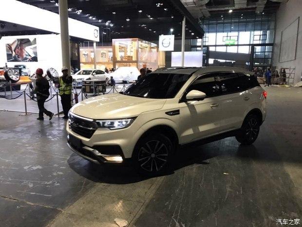 2017上海车展探馆:众泰T500实车曝光