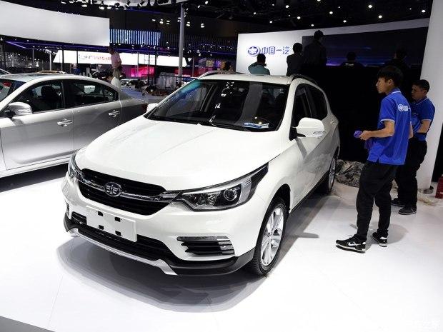 2017上海车展探馆:天津一汽新款骏派D60