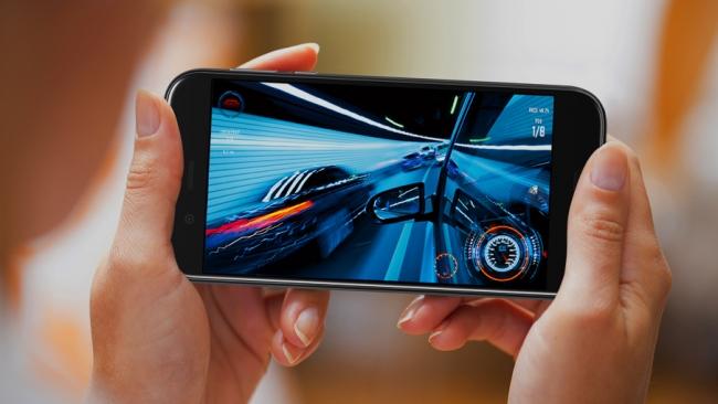 夏普发布旗舰手机:路人脸但配置超前