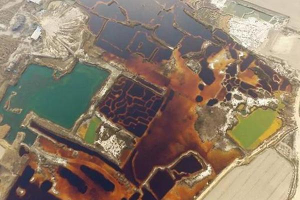 华北地区发现17万平方米工业污水渗坑