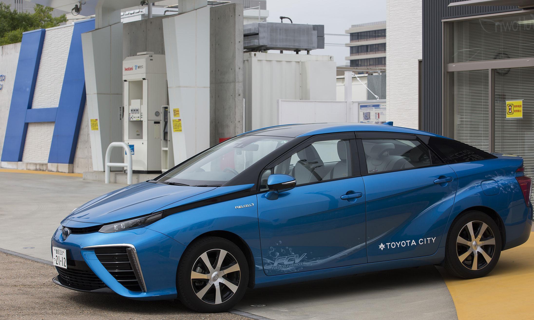 丰田于2015年推出mirai氢燃料电池车