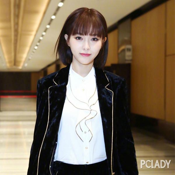 唐嫣终于剪对短发了 新造型甜美清爽嫩回18岁