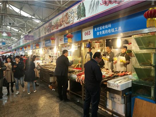 一天上千家商家加入无现金联盟 菜市场最积极