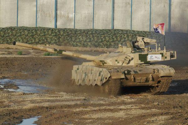 外媒:泰国陆军因缺钱将减少中国VT4坦克采购量