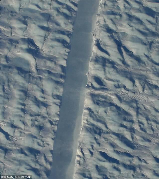 NASA拍到格陵兰冰川新裂缝 或导致冰架崩裂