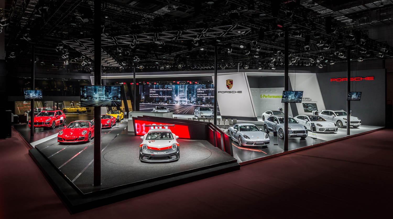 保时捷亮相2017上海国际车展 三款Panamera在2017上海车展震撼首发