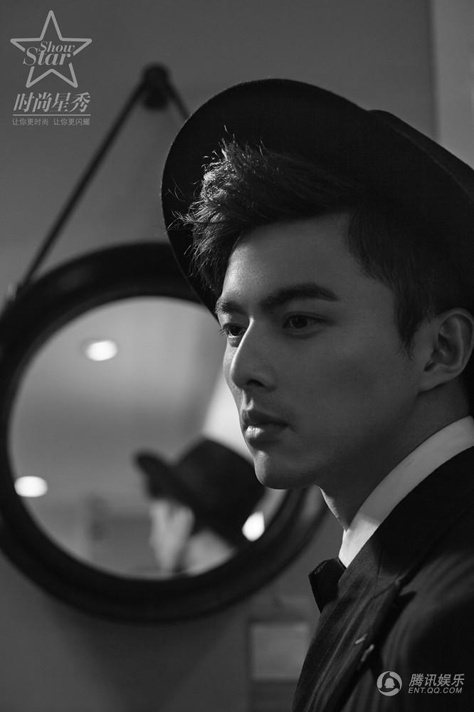 高清:叶祖新时尚大片 沉思蹙眉展质感男人魅力