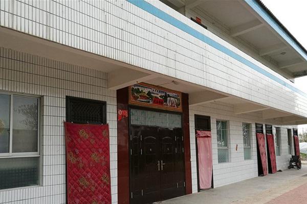 希望小学耗资36万建成 变村干部私宅
