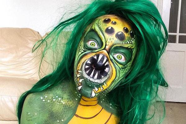 英女子因人体艺术重塑自我 曾因不满外表欲自杀