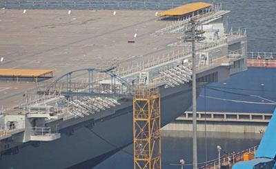 国产航母船坞内已经基本注满水
