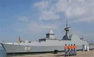 新加坡隐形护卫舰访问青岛