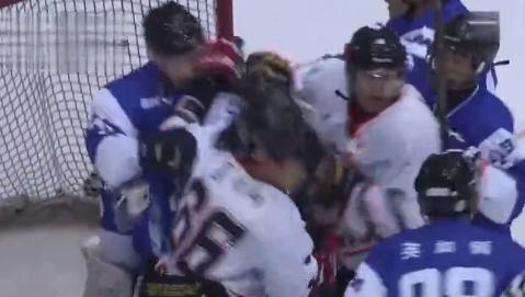 全锦赛两队群殴英达之子挨揍 韩乔生:冰球之耻
