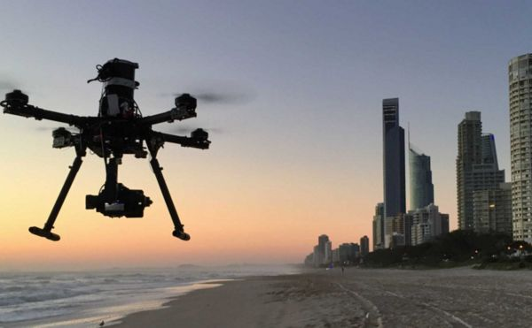 人民日报:让无人机飞得轻快安全