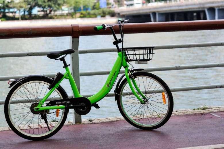 香港首推共享单车服务 3辆自行车被丢入河中
