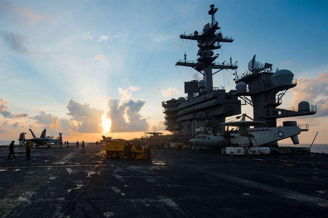 韩媒:美军卡尔•文森号航母即将进入半岛海域
