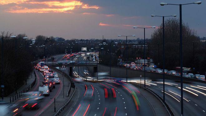 英国2019年将开始无人驾驶车高速路测试