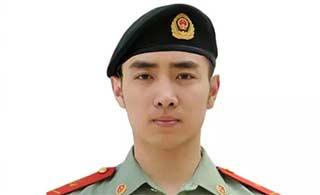 中国武警全新换装有了贝雷帽