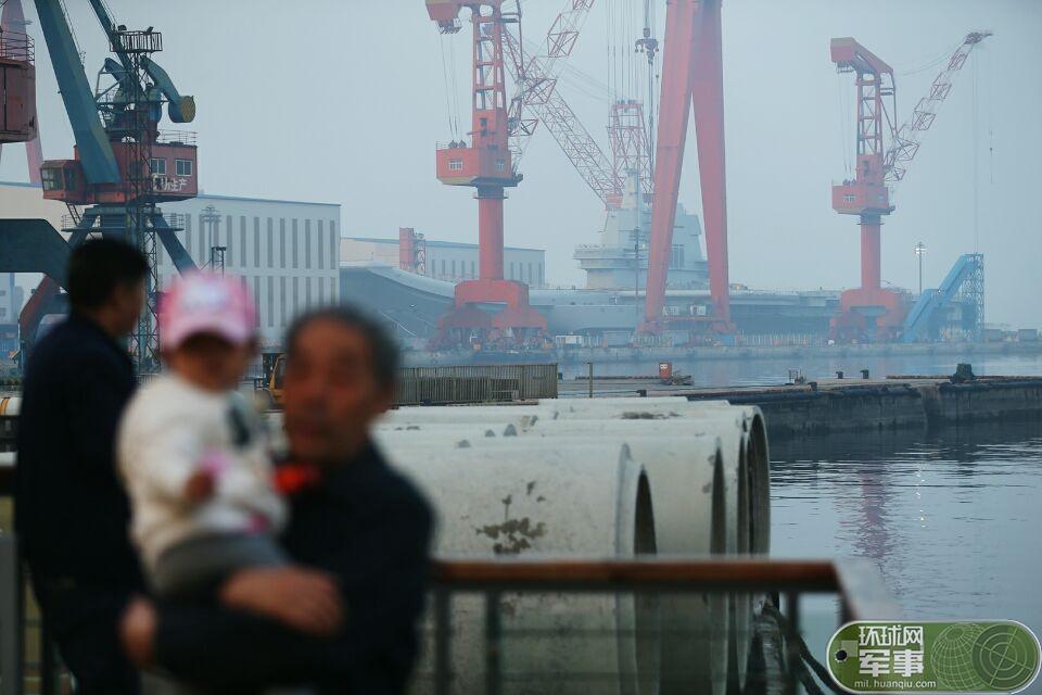 张召忠谈未来中国航母:造3个批次的姊妹舰