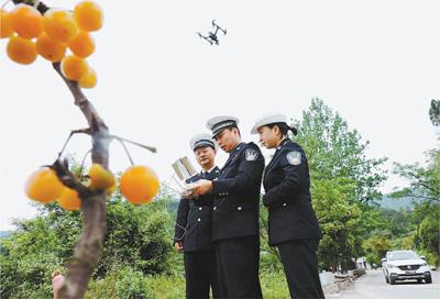 四川达州公安交警支队启用无人机空中执勤