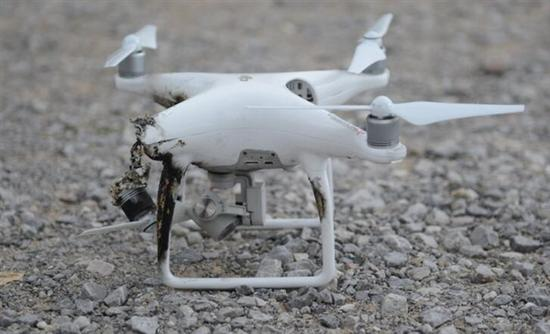 美国军火商洛马用激光武器击落无人机 单发融毁目标