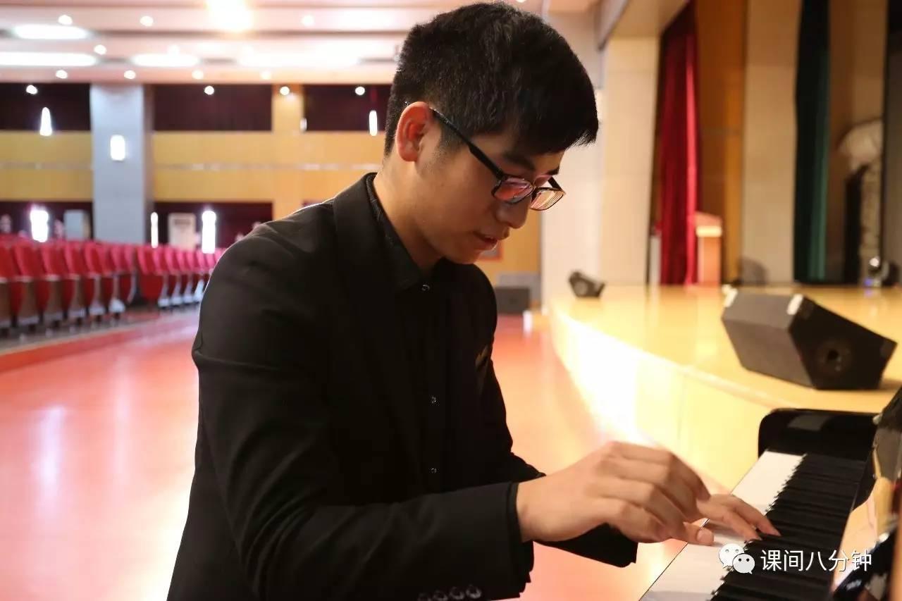 """""""钢琴王子""""的学霸养成之路:收到五所美国名校Offer"""